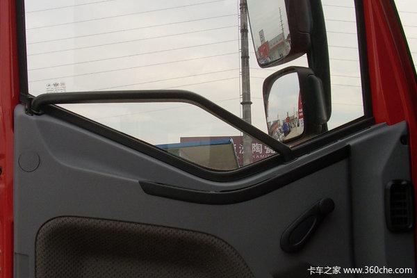 解放 J6L中卡 160马力 4X2 厢式载货车(CA5160XXYP62K1L4A1E)驾驶室图