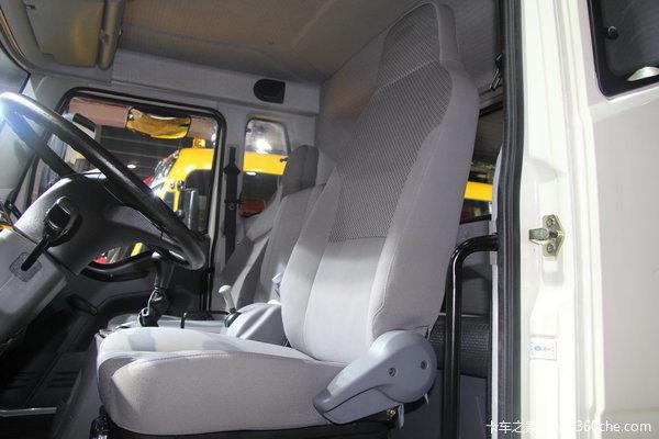 解放 J6L中卡 140马力 4X2 载货车(底盘)(新道依茨)驾驶室图