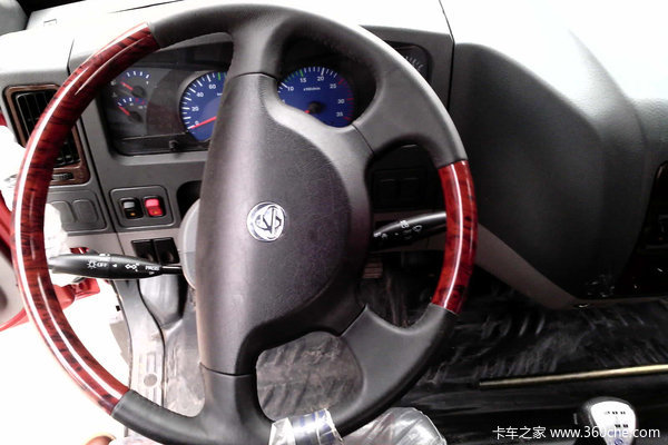 东风柳汽 乘龙中卡 160马力 4X2 排半仓栅载货车(LZ5165CSRAP)驾驶室图