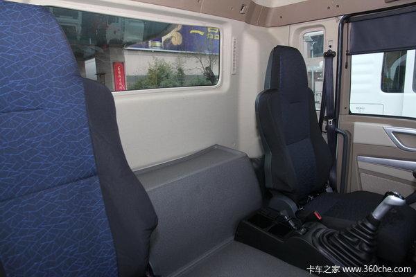 中国重汽 HOWO T5G重卡 210马力 4X2 载货车(底盘)(ZZ1167H451GD2/H6B7M)驾驶室图