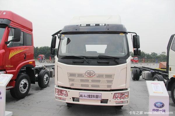 解放 J6L中卡 220马力 4X2 厢式载货车(CA5160XXYP62K1L5A2E4)(底盘)外观图