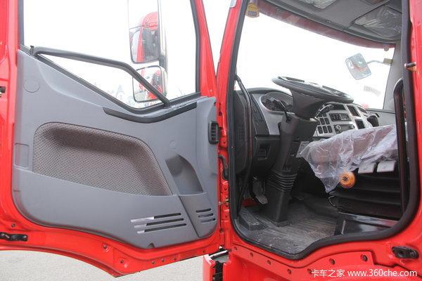 解放 J6L中卡 160马力 4X2 仓栅载货车(CA5160CLXYP62K1L4A2E)驾驶室图