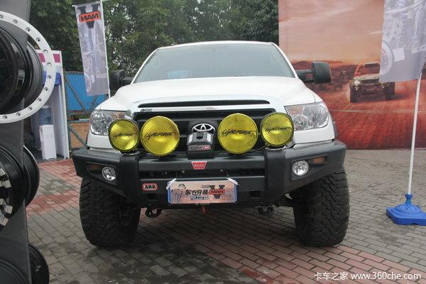 2011款丰田 坦途5700 越野改装版 5.7L汽油 四驱 双排皮卡 外观图