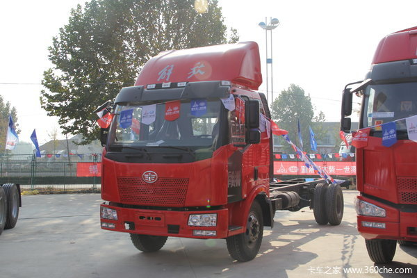 解放 J6L中卡 160马力 4X2 载货车底盘(CA1160P62K1L3E4)