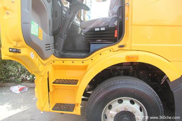 2013款解放 J6M重卡 240马力 6X2 厢式载货车(CA5250XXYP63K1L6T3E4)驾驶室图