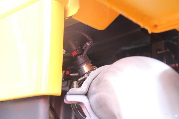 2013款解放 J6M重卡 240马力 6X2 厢式载货车(CA5250XXYP63K1L6T3E4)底盘图