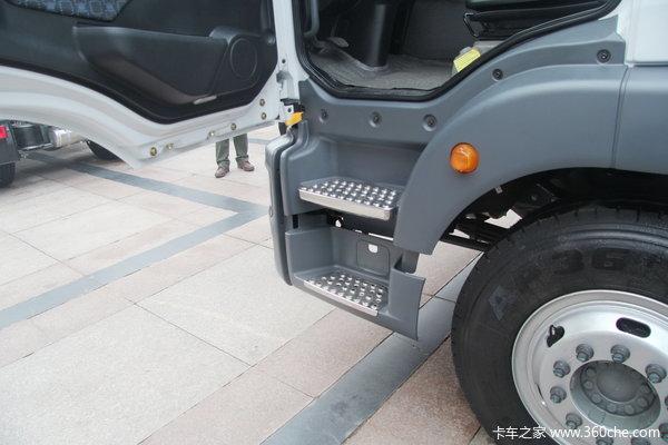 中国重汽 SITRAK C5H重卡 180马力 4X2 厢式载货车(ZZ5126XYZH451GD1)驾驶室图