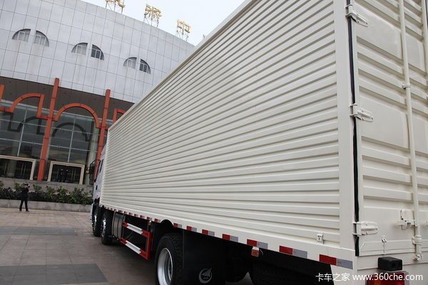 东风柳汽 霸龙重卡 245马力 6X2 排半厢式载货车(LZ5250XXYM5CA)上装图