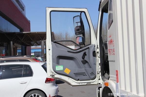 解放 J6L中卡 180马力 4X2 厢式载货车(CA5160XXYP62K1L5A1E4)驾驶室图