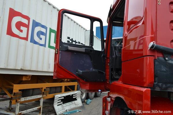陕汽 德龙F3000重卡 336马力 8X4 载货车(底盘)(SX1316NR466)驾驶室图
