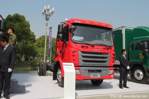 江淮 格尔发K3系列重卡 165马力 4X2 载货车外观图