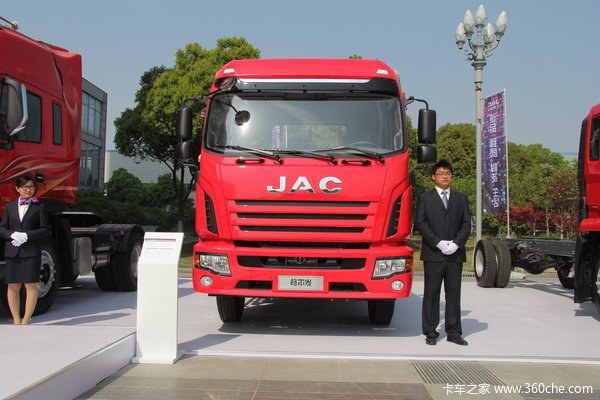 江淮 格尔发K3系列中卡 165马力 4X2 载货车(窄体)外观图