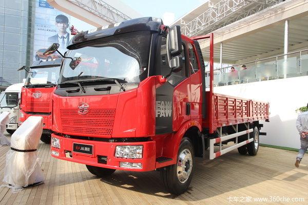 解放 J6L中卡 180马力 4X2 LNG载货车(CA1160P62L4E1M5)