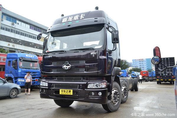 东风柳汽 霸龙507重卡 240马力 6X2 排半载货车(底盘)(LZ5250XXYM5CA)