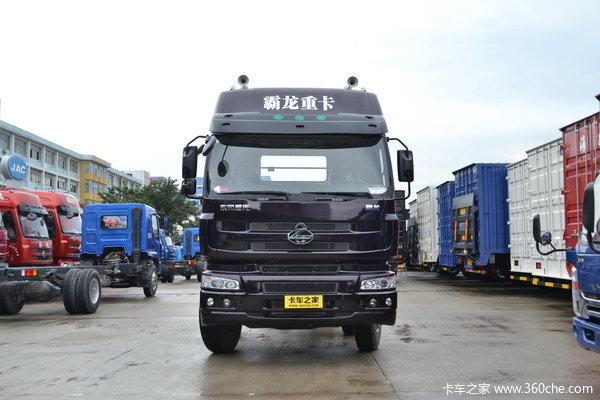 东风柳汽 霸龙507重卡 240马力 6X2 排半载货车(底盘)(LZ5250XXYM5CA)外观图