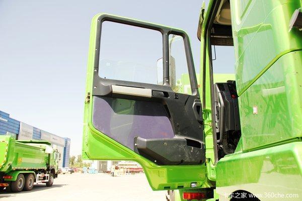 陕汽 德龙F3000重卡 336马力 6X4 自卸车(U型斗新型渣土车)(SX3256DR3841)驾驶室图