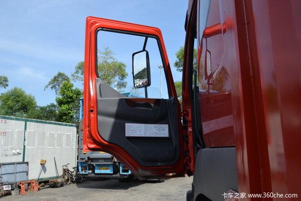 东风柳汽 霸龙重卡 280马力 8X4 厢式载货车(LZ5311JSQQELA)驾驶室图