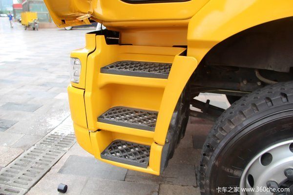 东风柳汽 霸龙重卡 245马力 6X2 排半厢式载货车(LZ1200M3CAT)底盘图