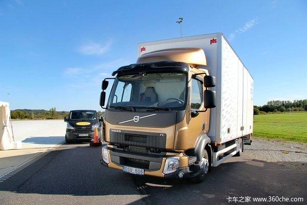 沃尔沃 新FL系列 240马力 4X2 厢式载货车