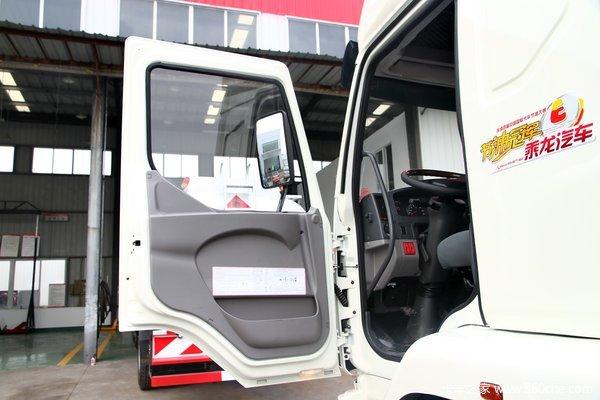 东风柳汽 乘龙中卡 220马力 6X2 载货车底盘(LZ1200M3CAT)驾驶室图