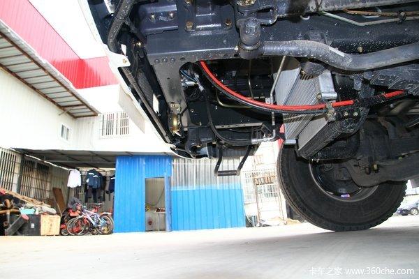 东风柳汽 乘龙中卡 220马力 6X2 载货车底盘(LZ1200M3CAT)底盘图