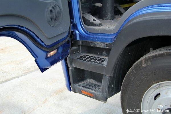 江淮 帅铃威司达W570 160马力 4X2 7.6米排半厢式载货车(核载版)驾驶室图