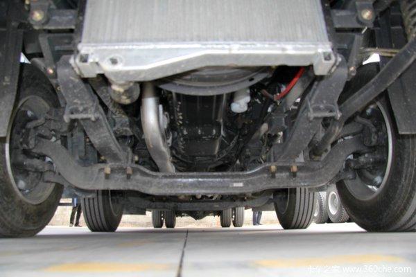 东风柳汽 霸龙重卡 270马力 6X2 排半厢式载货车(LZ5200XXYM5CA)底盘图