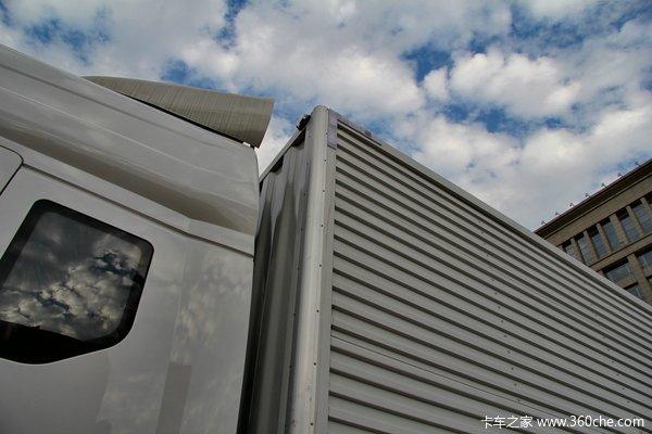 东风柳汽 霸龙重卡 270马力 6X2 排半厢式载货车(LZ5200XXYM5CA)上装图