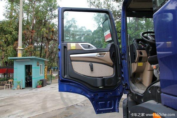 中国重汽 HOWO T5G重卡 180马力 4X2 排半厢式载货车底盘(ZZ1167H501GD1)驾驶室图