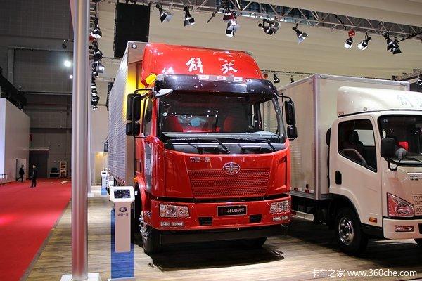 解放 J6L中卡 180马力 4X2 厢式载货车(CA5160XYKP62K1L3A2E4)