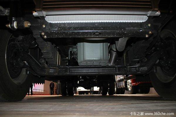 解放 J6L中卡 180马力 4X2 厢式载货车(CA5160XYKP62K1L3A2E4)底盘图