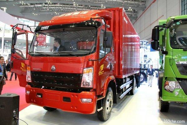 中国重汽HOWO轻卡 160马力 4X2 5.75米排半厢式(ZZ5127XXYG451CD1)