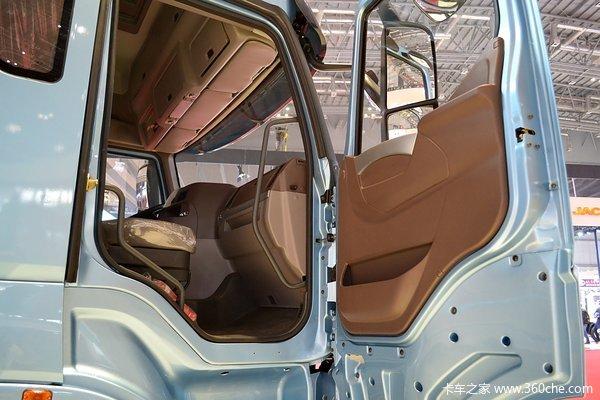 东风柳汽 乘龙H7重卡 320马力 8X4 载货车底盘(豪华版)(LZ1311QELAT)驾驶室图