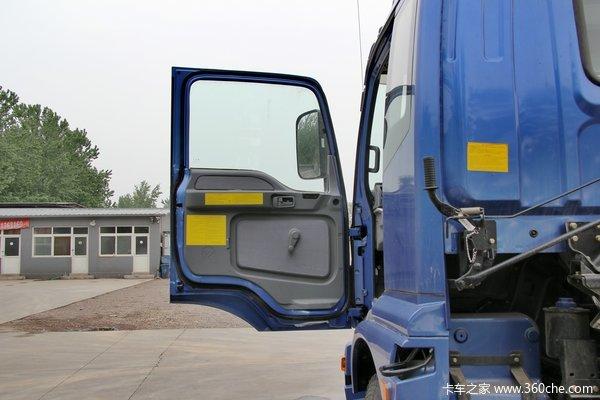 福田 欧曼ETX 3系中卡 170马力 4X2 载货车底盘(BJ5163CCY-XE)驾驶室图