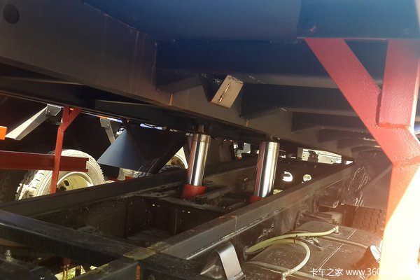中国重汽 豪曼 130马力 4X2 3.95米自卸车(ZZ3108F18DB0)底盘图
