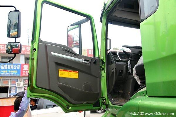 陕汽 德龙新M3000 336马力 8X4 自卸车(SX3316HR406)驾驶室图