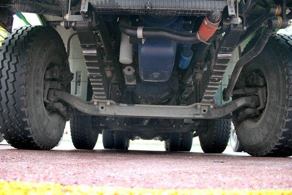 陕汽 德龙新M3000 336马力 8X4 新型渣土车(SX3316HR326)底盘图