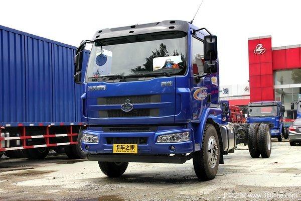 东风柳汽 乘龙中卡 170马力 4X2 7.65米厢式载货车底盘(LZ5166XXYM3AA)