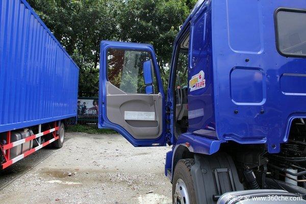 东风柳汽 乘龙中卡 170马力 4X2 7.65米厢式载货车底盘(LZ5166XXYM3AA)驾驶室图