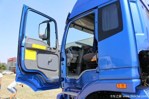 福田 欧曼ETX 6系 245马力 6X2 9.53米厢式载货车底盘(BJ5257XXY-XA)驾驶室图