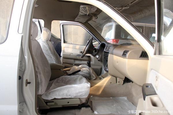 2011款郑州日产 东风锐骐 标准型 2.5L柴油 双排皮卡驾驶室图