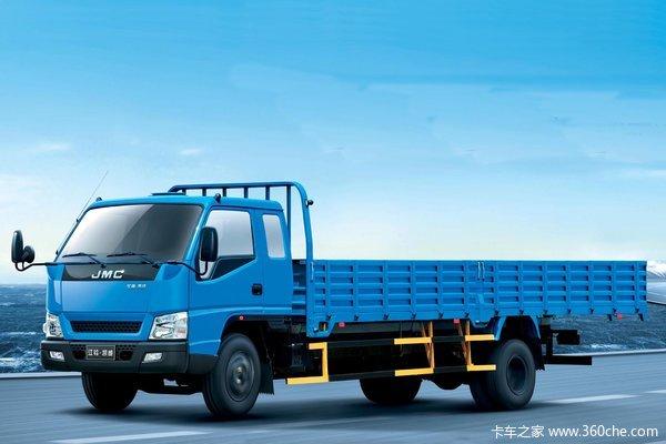江铃 凯威中卡 140马力 4X2 排半载货车(JX1090TPPA24)
