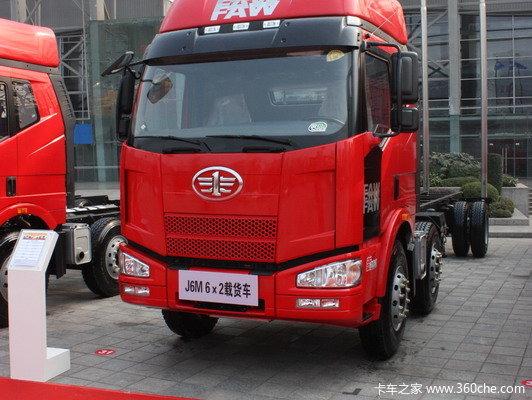 解放 J6M重卡 240马力 6X2 厢式载货车(CA5250XXYP63K1L6T3A1E)外观图
