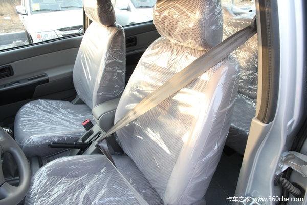 2013款长城 风骏5 商务版 精英型 2.4L汽油 小双排皮卡驾驶室图