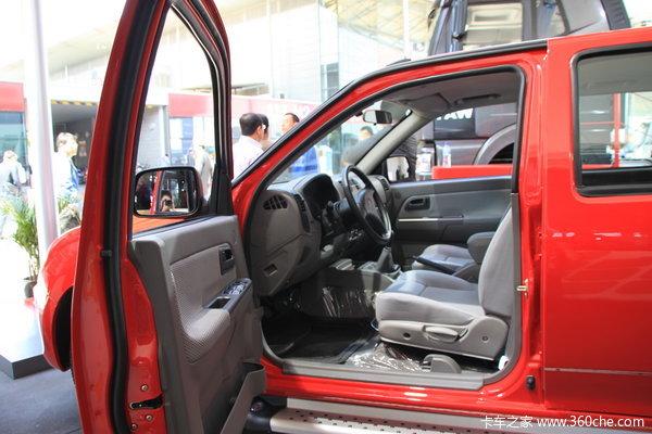 一汽通用 坤程 精英型 2.2L汽油 双排皮卡驾驶室图