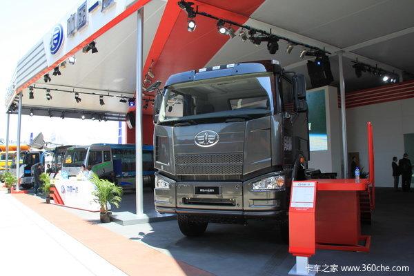 解放 J6重卡 390马力 6X6 载货车(底盘)(CA2250P66K24TL2E)外观图