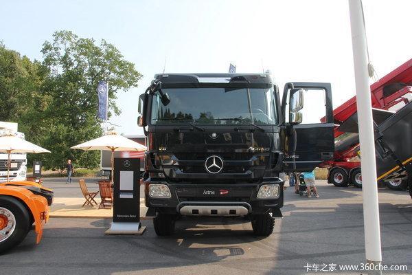 奔驰 Actros重卡 550马力 8X8 载货车(型号4155底盘)