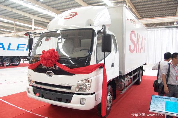 力帆时骏 斯卡特 130马力 4X2 5.75米排半厢式载货车(LFJ5088XXYG1)