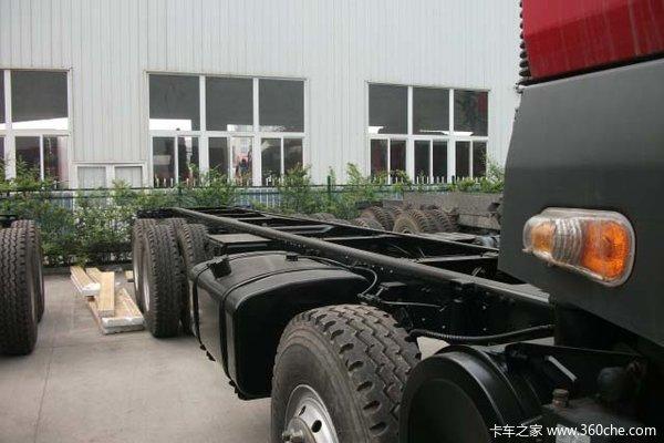 东风柳汽 霸龙507重卡 310马力 8X4 栏板载货车(LZ1244PEL)底盘图