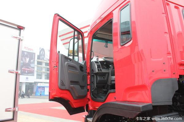 江淮 格尔发K3系列重卡 270马力 8X4 载货车(底盘)(HFC1311P2K4H45F)驾驶室图